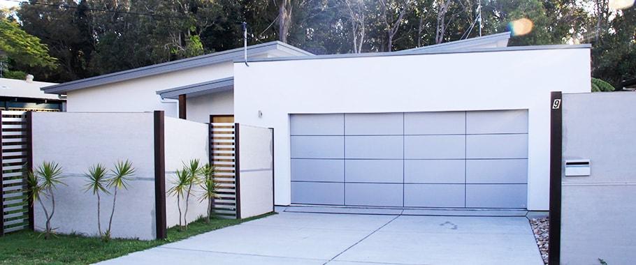 Garage Doors Caloundra, by smart doors and gates.